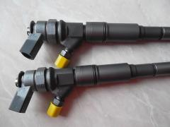 New fuel injector of the engine 0445110219, 13537793030